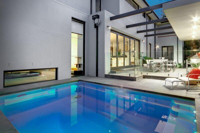 Plunge fibreglass pool